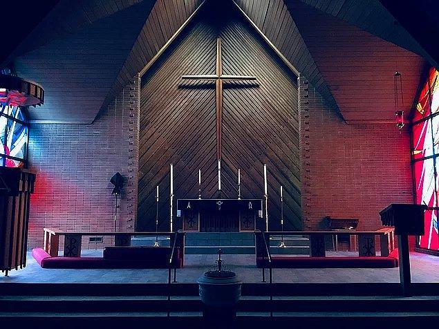 Ayrıca bu buton ABD'nin Dallas eyaletindeki büyük kiliseler tarafından yoğun olarak kullanılmaya da başlandı.