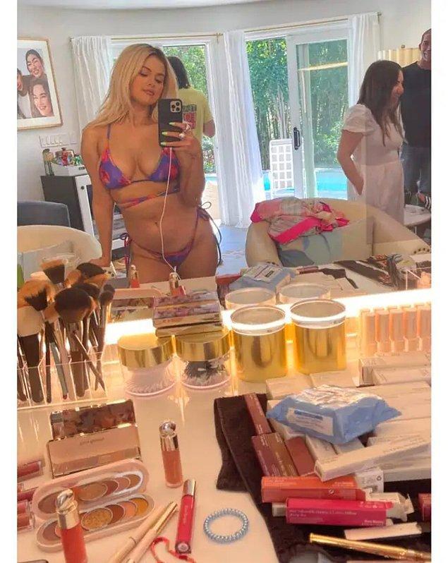 11. Selena'nın bir diğer doğal paylaşımı da photoshopsuz kulis fotoğraflarını paylaşması:
