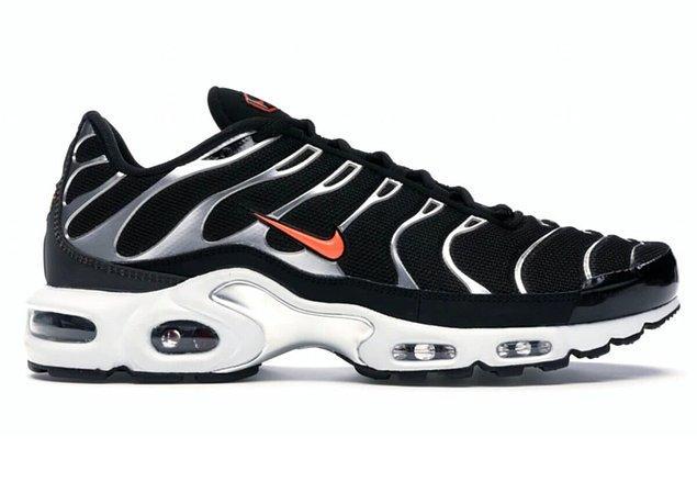 8. Nike Air Max Plus spor ayakkabıları, ömürlük kullanabileceğiniz kaliteli ayakkabı modelleri arasında yer alıyor.