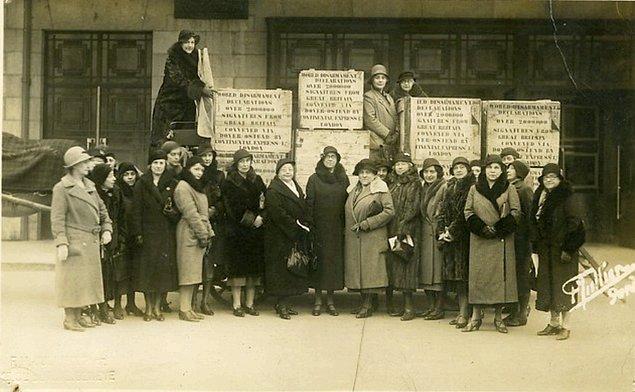 İsmet Paşa Enstitüsü'nü, Halk Evi'ni, Ziraat Enstitülerini ziyaret eden kongre üyeleri Atatürk'ü de ziyaret ederler.