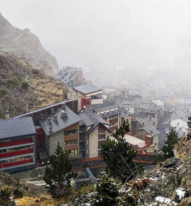 Düşük suç oranı sayesinde Andorra çok güvenli bir ülkedir.