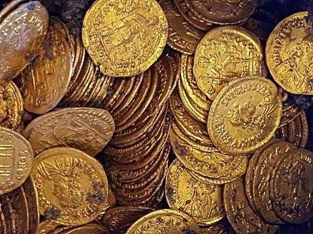 6. 2012'de Wesley Carrington adında bir İngiliz bir metal dedektörü satın almıştır ve 20 dakika içinde Roma Çağından kalma 100 bin sterlin değerinde altın bulmuştur.