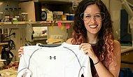 Ученые разработали умную футболку, которая мониторит сердце лучше, чем нагрудный датчик и удобнее, чем умные часы (плюс ее можно стирать в машинке!)