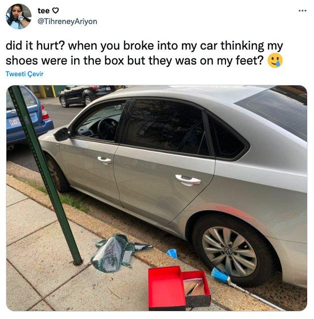 """1. """"Ayakkabılarım ayağımdayken kutuda olduğunu düşünüp arabama girdiğinde acıdı mı?"""""""