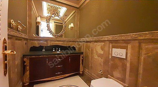 Bu arada banyo demişken evde 5 adet banyo var, tabii banyo denirse.