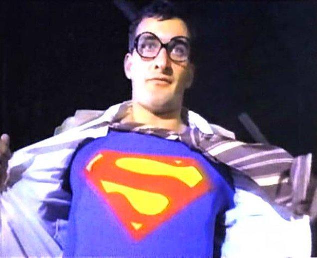 """3. Belki aslına uygun yapılmak istenmişti ancak """"Süpermen"""" de dönemin şartlarıyla değişik bir uyarlama olmuştu."""