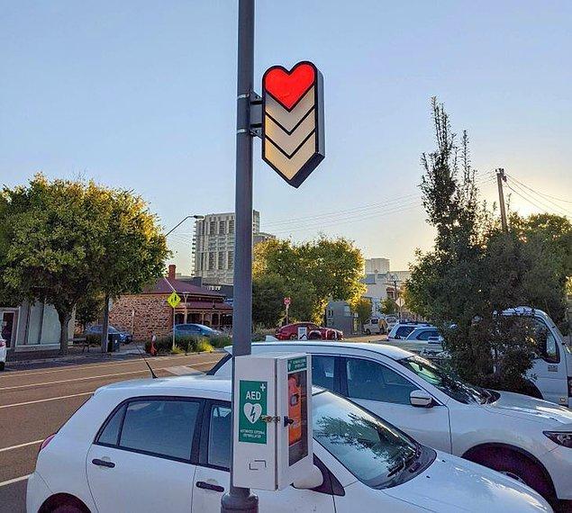 12. Güney Avustralya'da bazı bölgelerde acil durumlara karşı kalp ritminin normale dönmesini sağlayan defibrilatörden bulunuyor.