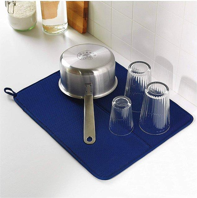 4. Bu bulaşık kurutma örtüsü, bulaşıklarınız için daha fazla kurutma alanı elde etmenin en kolay ve şık yolu.