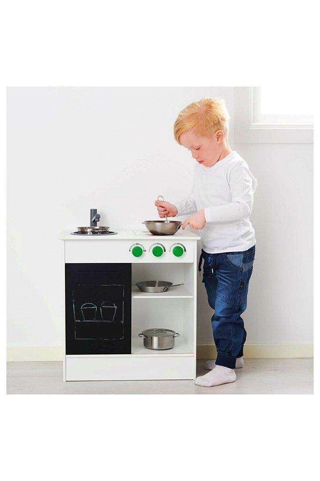 17. Kız erkek fark etmez, her çocuğun bir dönem mutfağı olmalı. Hem motor becerilerini hem de yaratıcılığı geliştiren bir oyuncak.