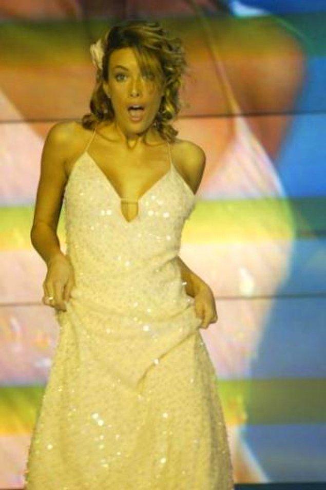 Gamze Özçelik, oyunculuktan sonra televizyon kariyerine Popstar yarışmasında sunuculuk yaparak devam etti.