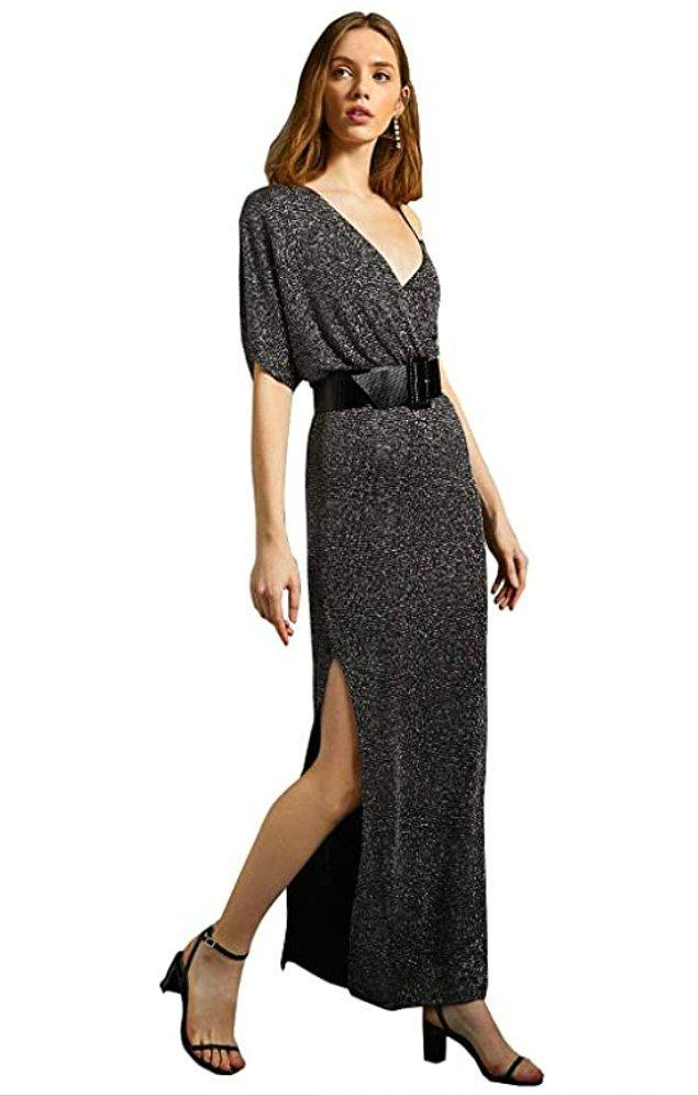 19. Uzun koyu renk yırtmaçlı elbiseler ile bacaklarınız daha dikkat çekici...