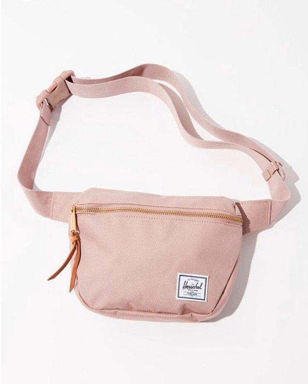 12. En sevilen Herschel bel çantalarını sizin için bir araya getirdik.