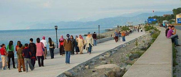 Yürüyüşleriniz için deniz kenarını tercih etmeye çalışın.