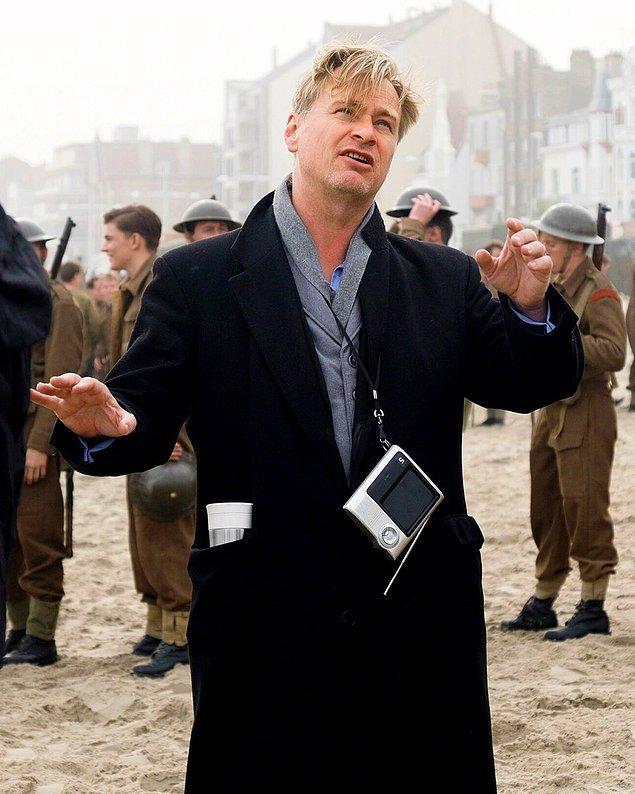 6. Christopher Nolan, II. Dünya Savaşı'nda atom bombasının bulunuşunu anlatan bir film çekmeyi planlıyor.