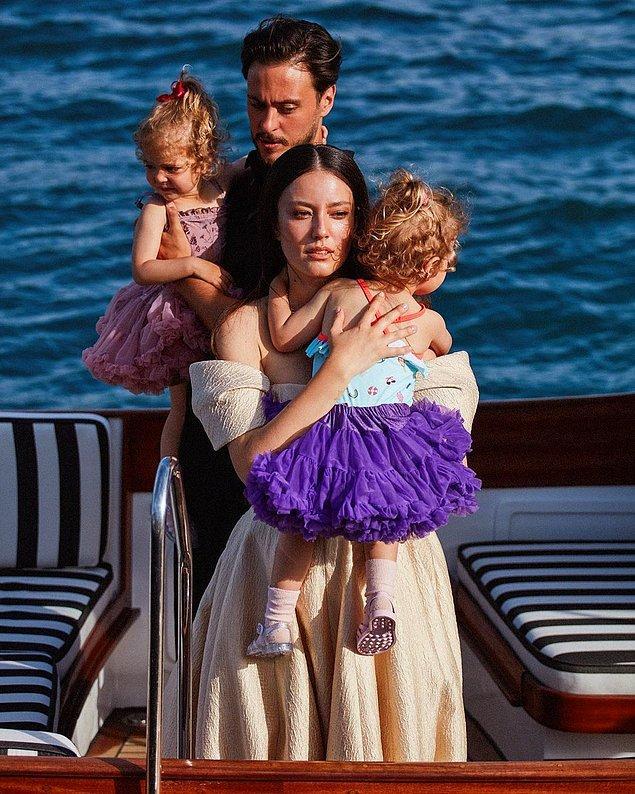 Şu an evli ve ikiz bebek sahibi olan Pelin Akil, sosyal medyada yaptığı sevimli paylaşımlarla görenlerin içini ısıtıyor.