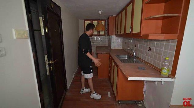 Kapıyı açar açmaz mutfağın içinde buluyorsunuz kendinizi!