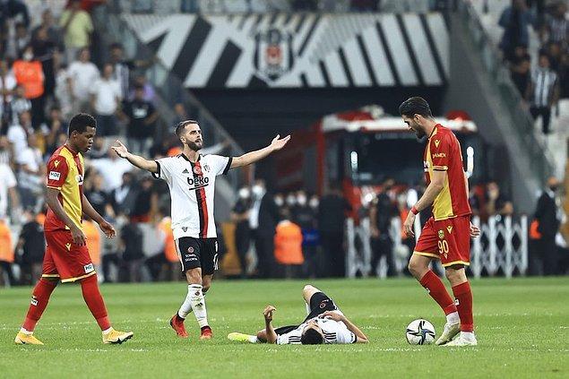 Siyah-beyazlılarda 20. dakikada Hırvat stoper Domagoj Vida, 43. dakikada ise Brezilyalı orta saha oyuncusu Alex Teixeira sakatlanarak oyundan çıktı.