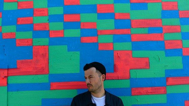 Fennell, 2005 yılında iki arkadaşıyla birlikte Barcelona adlı grubu kurup bu grupla birlikte sekiz stüdyo albümü yayımladı.