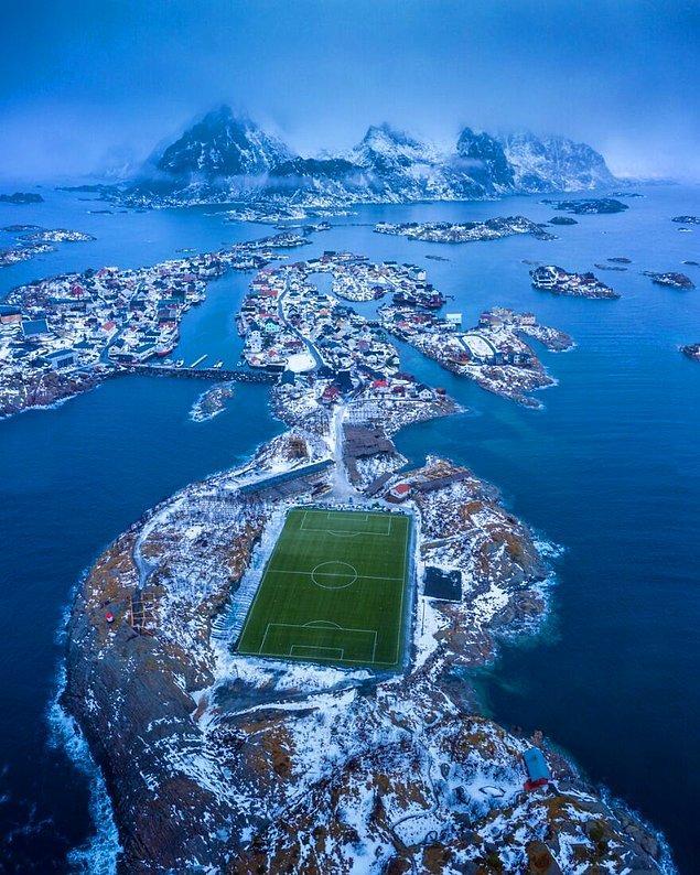 14. Henningsvær - Nando Harmsen (Kent Kategorisi Yüksek Övgüye Değer Ödülü)