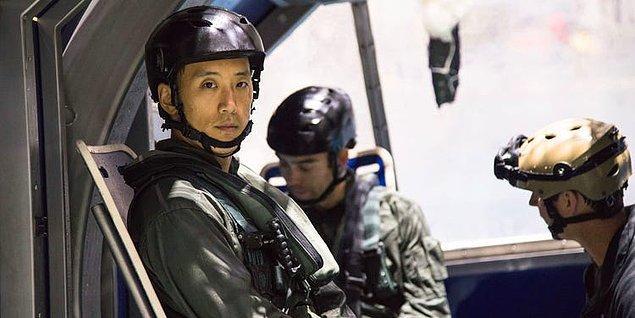 Ardından askeri alandaki başarısı ile özel komando timi olan Navy SEAL'e keskin nişancı olarak katıldı.