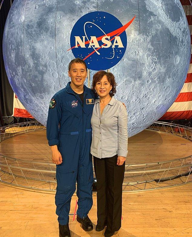 NASA insanlığın ufkunu belirleyen ve bu yöndeki teknolojik ve bilimsel gelişmelere ön ayak olan bir kurum olduğu için bu alana başvurmak istemişti.