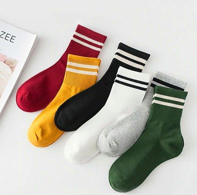 8. Her güne başka bir renk tenis çorabı...