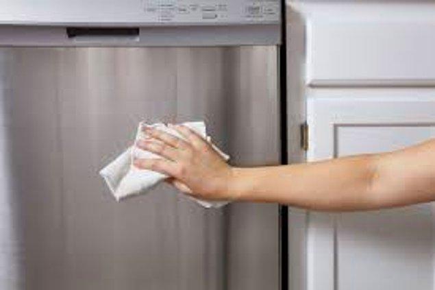 11. İlk alındığında ışıl ışıl parlayan inox beyaz eşyalarınız zamanla parlaklığını yitirebilir.