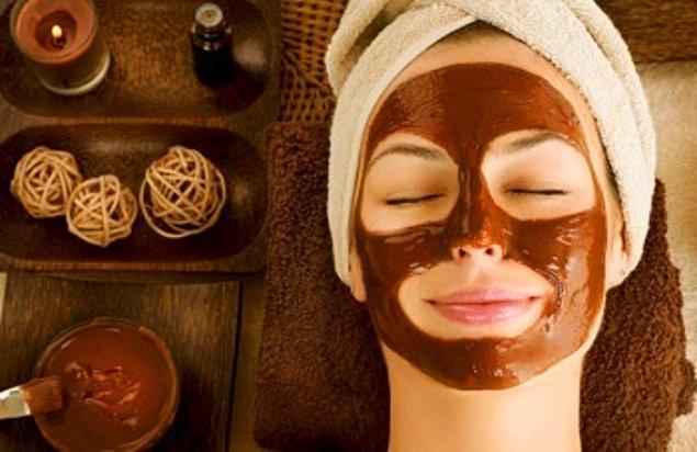 6. Kuru Ciltler İçin Portakal Yağlı Maske