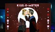 Хотите знать, сколько бактерий обменивается во время поцелуя? В музее, посвященный микробам, есть интерактивный измеритель поцелуев
