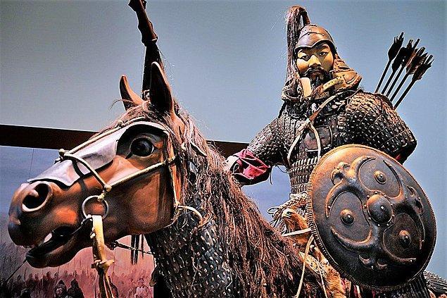 Ölüm nedenini öğrenebilmek için Yuan Tarihi'ni inceleyen araştırmacılar, 18 Ağustos'tan ölüm günü olan 25 Ağustos'a göre Cengiz Han'ın ateşli bir hastalık geçirdiğini öğreniyor.
