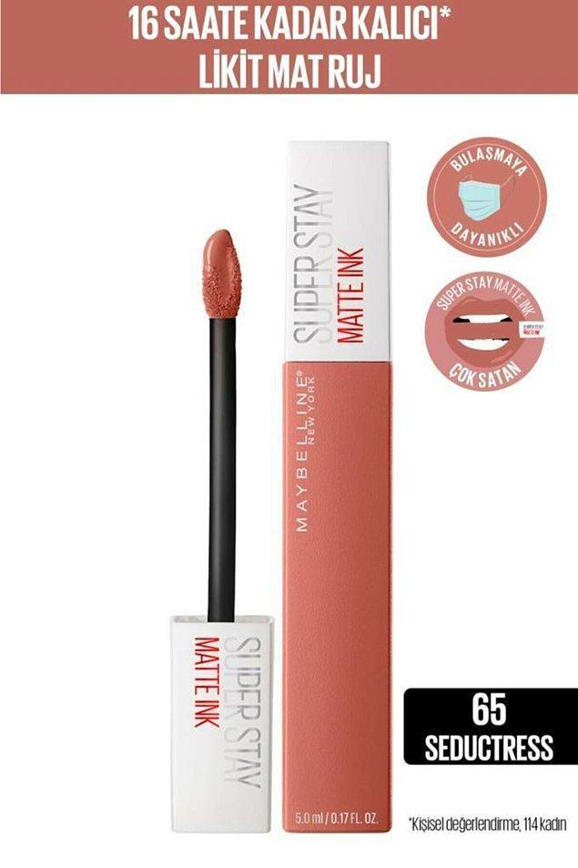 6. Danla Bilic tarafından övülen seductress rengi Maybelline Super Stay mat ruju tüm gün kalıcı!