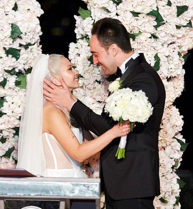 Bildiğiniz gibi Ece Seçkin ve Çağrı Tertemiz 15 Eylül'de muhteşem bir düğünle dünya evine girmişlerdi.