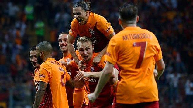 UEFA Avrupa Ligi'ndeki temsilcilerimizden Galatasaray, Lazio'yu yenerek Avrupa Ligi'ne iyi bir başlangıç yaptı.