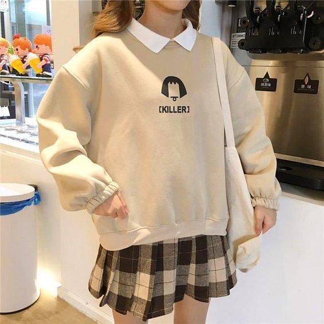7. K-pop ile birlikte eteklerin üzerinde görmeye ne çok alıştık oversize sweatshirt'leri...