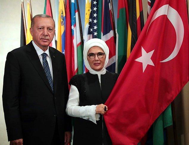 Biliyorsunuz ki geçtiğimiz haftalarda Cumhurbaşkanı Erdoğan'ın  'Daha Adil Bir Dünya Mümkün' kitabı satışa çıkmıştı.