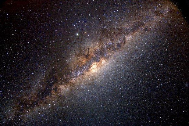 Samanyolu'nda Uzaylıların Var Olma İhtimali, Düşünülenden 100 Kat Daha Fazla Çıktı