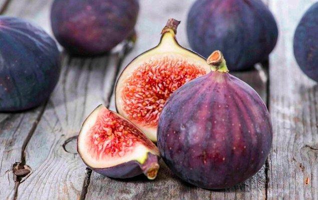 Yazın belki de en güzel meyvelerinden birisi incir. Tatlısına ayrı, kurusuna ayrı, kendisine ayrı bayılıyoruz. Ama bugün incirle ilgili anlatacağımız bu gerçeği okuyunca minik bir şok yaşayabilirsiniz.