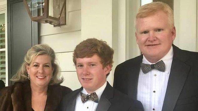 Alex Murdaugh, karısı ve büyük oğlu vurularak öldürülen bir babaydı. Ailenin başına gelen bir dizi trajediden sonra skandal bir suça imza attı.