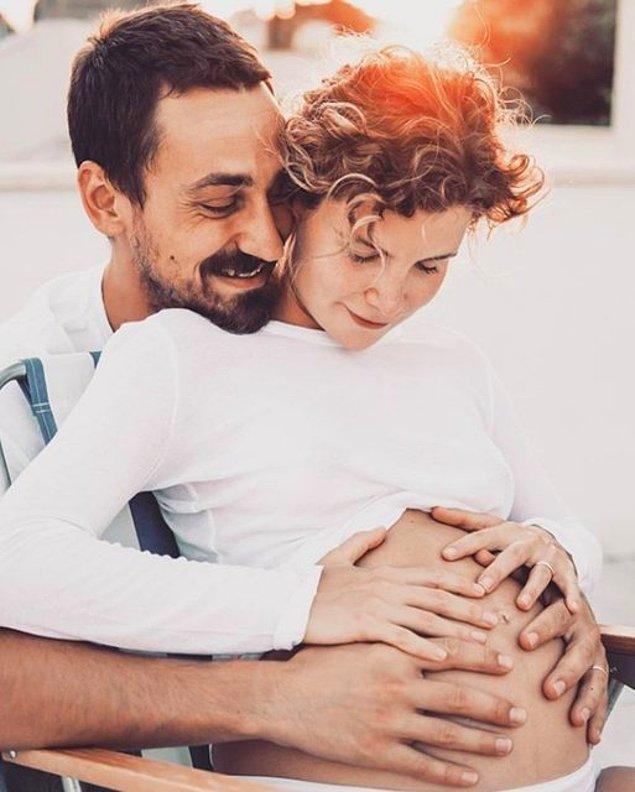 Bu evliliğe geçtiğimiz yıl Müjgan isimli bebek de dahil olunca çiftin mutluluğu katlandı.