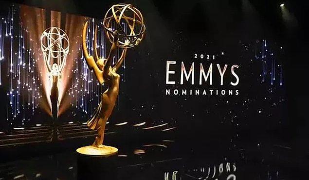 2. Dün düzenlenen Emmy Ödül Töreni'ne damga vuran anları kadrajımıza aldık!
