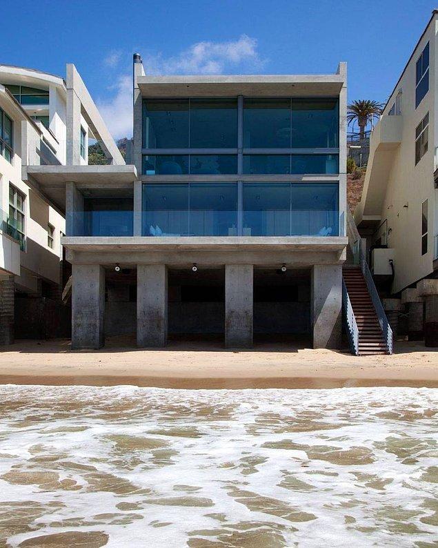 Okyanusa sıfır olan evin değeri tamı tamına 57.3 milyon dolar! '57 milyon dolara nasıl bir ev almış olabilir' diye düşünüyorsanız bir göz atalım...