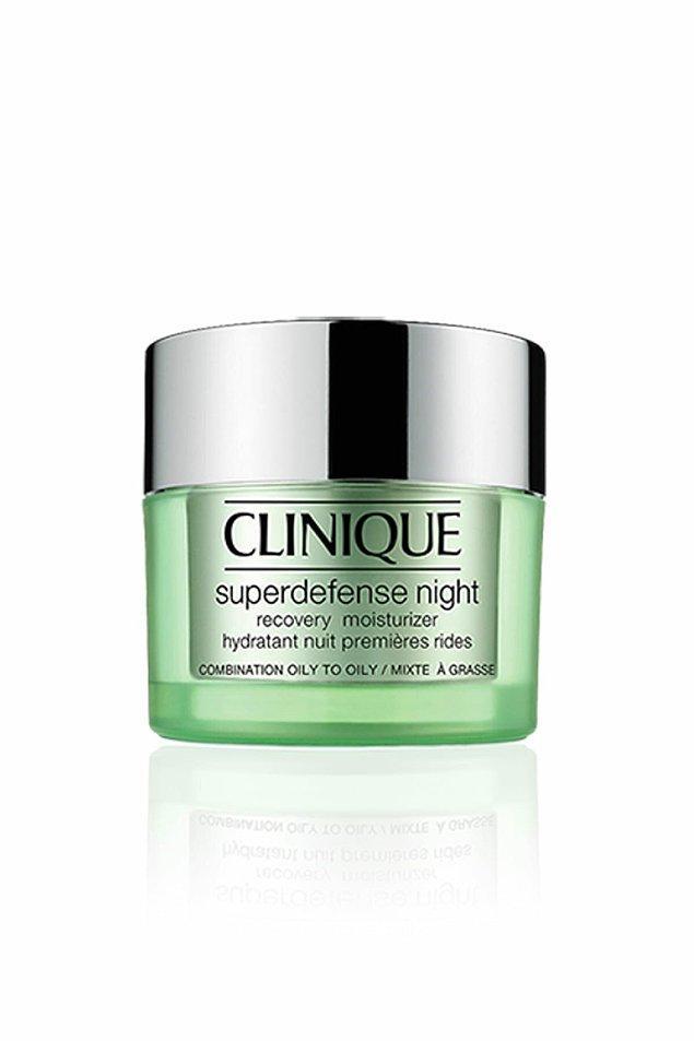 1. Clinique Yaşlanma Karşıtı Gece Kremi - Superdefense Night