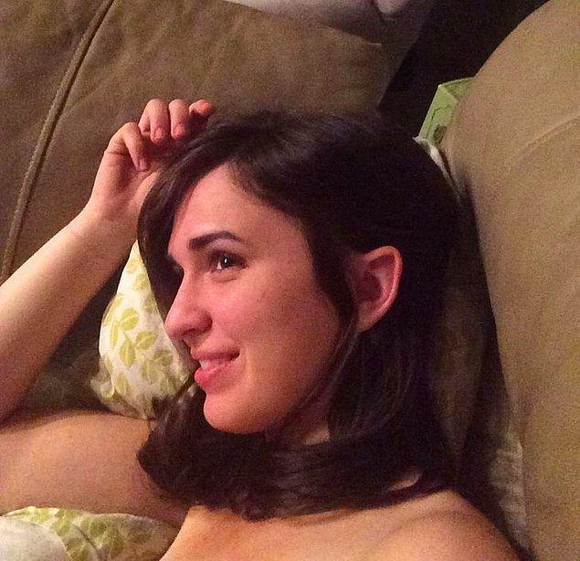 11. Doğuştan Elf kulaklarına sahip olan bu ablamızın Ayrıkvadi'den aramıza katıldığını düşünüyoruz.