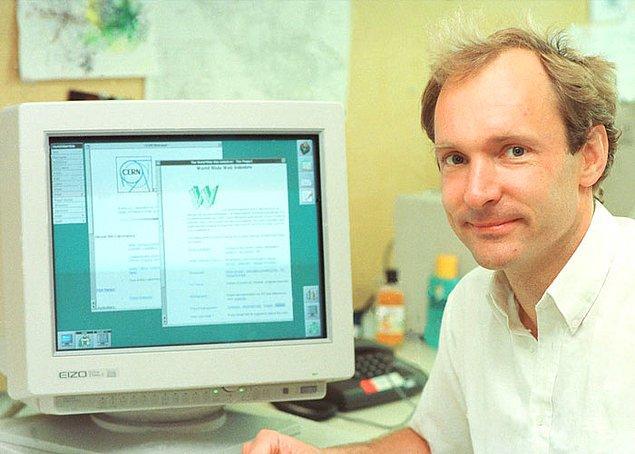 8. Sir Tim Berners-Lee Dünya Çapında Ağ'ı (www) 1989 yılında icat etti.
