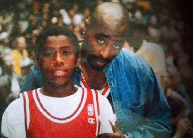 12. Tupac, yayın şirketi Ghetto Gospel Müzik'in adını 11 yaşındaki Joshua Torres ile tanıştıktan sonra değişmiş.
