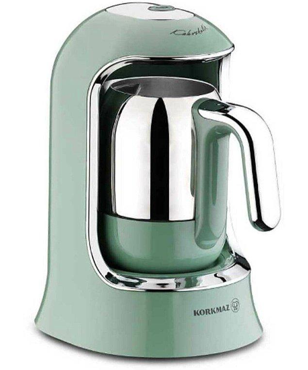 12. Köz kahve sevenlere o lezzeti eve taşıyan kahve makinesini bulduk.