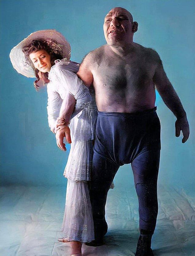 12. Shrek karakteri aslında gerçekte yaşayan ve eşinin adı Olga olan Maurice Tillet'ten esinlenilmiştir.
