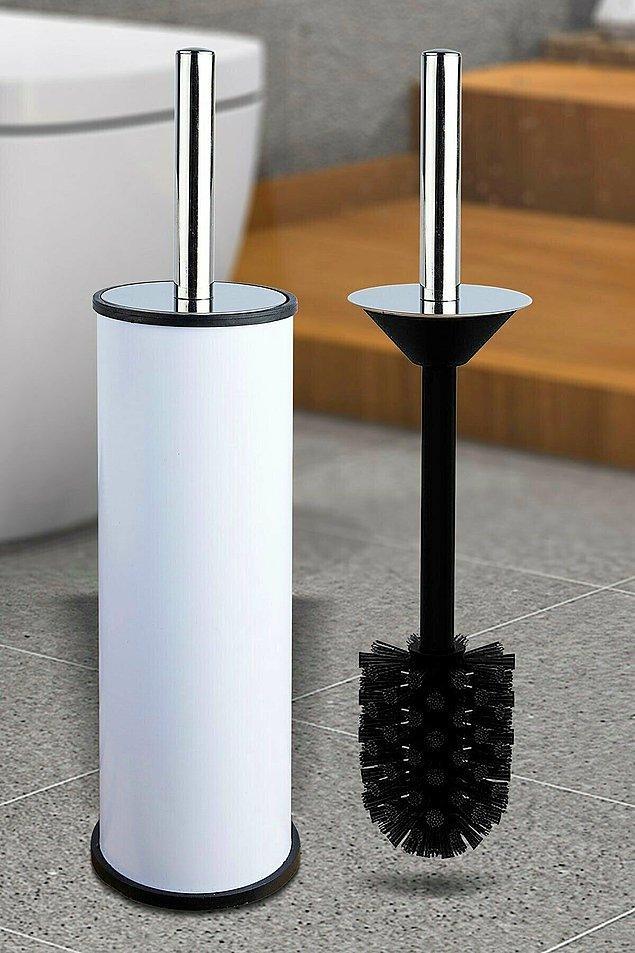 18. Dışı bembeyaz, içi siyah renkli tuvalet fırçası da her banyoya uyum sağlayacak!
