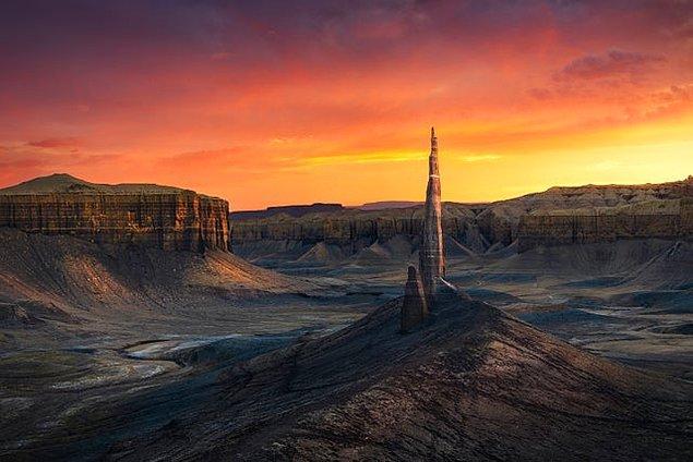 11. Utah'ın ıssız çorak topraklarında çekilmiş muhteşem bir gün batımı...