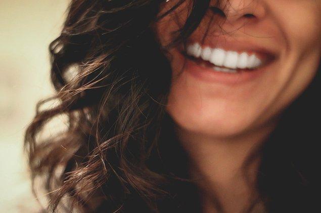 11. Bir insanı güldürdüğünüzde ona daha çekici görünürsünüz.